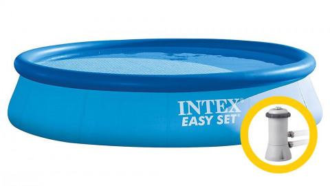 Připojte vakuovou hadici nad zemní bazén